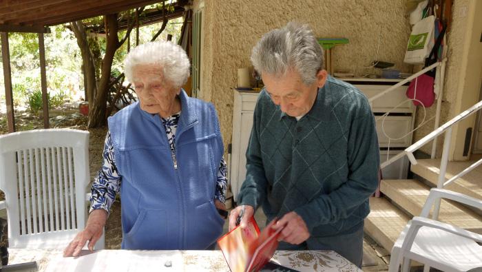 Yaakov and Sarah Eshel, among the founders of Kibbutz Hatzor.
